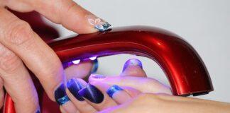 czy hybryda niszczy paznokcie